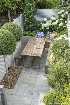 Braai pergola in 2019 small courtyard gardens, urban garden design, small. Garden Design London, London Garden, Modern Garden Design, Modern Design, Urban Design, Small Patio Design, Garden Design Plans, Front Design, Home Design