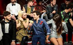 Federico Clapis, vestito #AT.P.CO, intervista Francesca durante la terza puntata di X Factor. #Outfit #ATPCO #XF8 #XFactor
