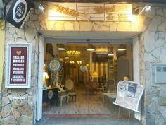 Fachada de nuestra tienda-taller en Canet de Mar. Barcelona