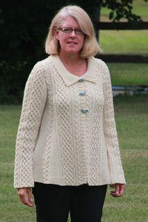 Ravelry: Aran A-Line Sweater pattern by Jennifer Donze Free Knitting Patterns For Women, Aran Knitting Patterns, Christmas Knitting Patterns, Knit Patterns, Knit Cardigan Pattern, Crochet Cardigan, Knit Crochet, Yarn Brands, Cardigans For Women
