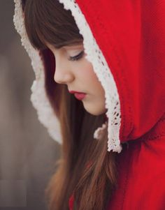 Little Red Riding Hood - Elena Shumilova Photography Little Red Ridding Hood, Red Riding Hood, Baby Girl Photography, Portrait Photography, Bless The Child, Red Hood, Red Aesthetic, Refashion, Ideas
