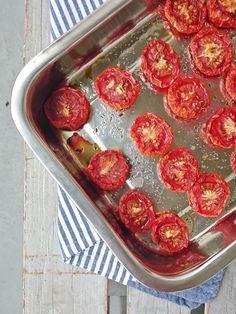 Ruokakonttuuri: Uunikuivatut tomaatit || Oven-dried Tomatoes