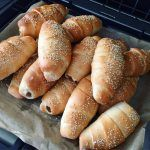 Verdens BEDSTE pølsehorn Hot Dog Buns, Tapas, Picnic, Bakery, Food And Drink, Appetizers, Lunch, Bread, Recipes