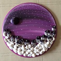 You will find everything about stone painting with beautiful examples on this share. / Lots of pretty and original hand made stone painting pieces,. Pebble Painting, Pebble Art, Stone Painting, Painting On Wood, Stone Crafts, Rock Crafts, Arts And Crafts, Painted Rocks Craft, Rock Painting Designs