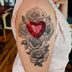 Diamond heart and rose Tattoo done by @rustemhorzum at @tattoostudio115 #diamondtattoo #rosetattoo #tattoo #diamond #rose #blackandgrey