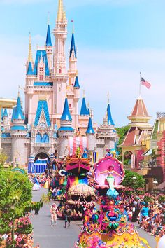 go-away-to-disneyland:  ✨✨✨✨   56 Days!