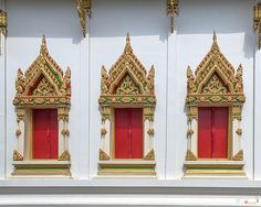 2015 Photograph, Wat Pradoem Phra Ubosot Windows, Tak Daet, Mueang Chumphon, Chumphon, Thailand, © 2015.  ภาพถ่าย ๒๕๕๘ วัดประเดิม หน้าต่าง พระอุโบสถ ตากแดด เขตเมืองชุมพร จังหวัดชุมพร ประเทศไทย