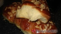 Great recipe for Stringy tsoureki by Akis. I've tried many recipes but none managed to produce so fluffy tsourekia! Greek Sweets, Greek Desserts, Greek Recipes, Fun Desserts, Easter Recipes, Sweets Recipes, Gourmet Recipes, Holiday Recipes, Cooking Recipes