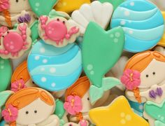Easy mermaid tail cookies in four easy steps via Sweetsugarbelle.com