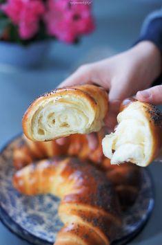 Rogale maślane z makiem – Najlepsze Smakołyki Pretzel Bites, Bagel, Doughnut, Sausage, Pizza, Menu, Bread, Baking, Recipes