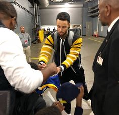 Warriors Stumble in loss to Houston; 1/20/18, Houston, TEXAS - #KevinDurant had 26 points to lead the Dubs, #DraymondGreen had 21 points, 7 boards and 6 assists, and #StephenCurry had 19 points, a rare off night as warriors move to 37-10 in the season.
