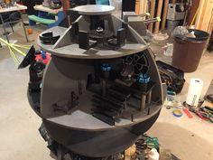 Star Wars DIY Death Star - DIY playset for kids and adult fans of the Star Wars franchise. Playset Diy, Star Diy, Toy Rooms, Death Star, Espresso Machine, Starwars, Coffee Maker, Fans, Crafts