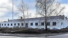 I erhvervsområdet i Vassingerød ved Lynge i Nordsjælland udbydes større lager- og produktionsejendom til salg. Ejendommen er beliggende på stor hjørnegrund med gode adgangsforhold og masser af udenomsplads.     Området huser i dag flere industrivirksomheder med alle former for produktion og lagervirksomheder. Fra Vassingerød er der gode trafikale færdselsårer til hele Sjælland ad Hillerød Motorvejen og til Frederikssund og Frederiksværk ad Slangerupvejen.