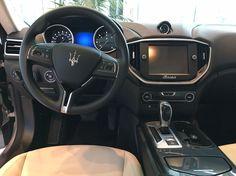 #Maserati #Ghibli #Blau #Lenkrad #Armaturenbrett