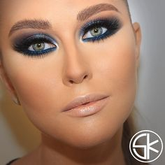 Blue eyeshadow/ make up for special events Gorgeous Makeup, Love Makeup, Makeup Tips, Makeup Looks, Hair Makeup, Blue Eyeshadow, Eyeshadow Makeup, How To Make Hair, Eye Make Up