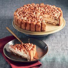 Tiramisu-ijstaart Productfoto ID Shot Delicious Desserts, Dessert Recipes, Yummy Food, Champagne Brunch, Frozen, Sandwich Cake, Pie Cake, Diy Food, Creme