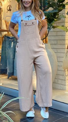 70s Fashion, Fashion Looks, Fashion Outfits, Capri Outfits, Casual Dresses, Casual Outfits, Baby Frocks Designs, Pantalon Cargo, Denim Overall Dress