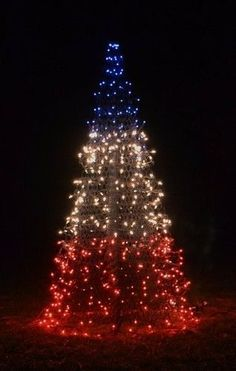 Beautiful for Christmas time! #red #white #blue #tree #beautiful #Christmas
