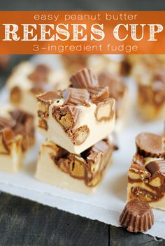 Reeses peanut butter fudge --This quick and easy fudge uses only 3 ingredients! If you love peanut butter, this recipe is definitely for you. Fudge Recipes, Candy Recipes, Sweet Recipes, Dessert Recipes, Peanut Butter Desserts, Peanut Butter Fudge, Resses Peanut Butter Cups, Tiger Butter Fudge Recipe, Holiday Baking