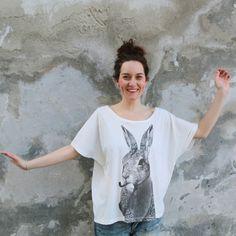 Camiseta conejo feliz