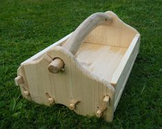 cute toolbox by jhingh on DeviantArt. (It disassembles.)