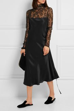 Black lace Button fastenings along back 89% polyamide, 11% elastane Dry clean…
