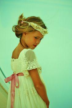 CLASICOS DE MONAIR Wedding Dresses For Girls, Girls Dresses, Flower Girl Dresses, Infant Dresses, Flower Girls, Baby Birthday Dress, Birthday Dresses, First Communion Dresses, Baptism Dress