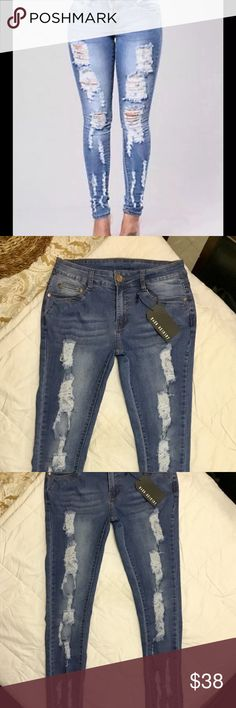 """FASHION NOVA DISTRESSED HW SKINNY JEANS NWT, size 7(28""""), high waisted, distressed skinny jeans. These jeans are amazing and fit like a GLOVE. SUPER FLATTERING, AND COMPLIMENTING. FN MAKES THE BEST JEANS, WITH THE MOST STRETCH. THEY TRULY ARE AMAZING JEANS, I ORDERED TWO PAIRS, ONE FOR ME AND ONE FOR MY OLDEST DAUGHTER AND THEY WERE TOO BIG. THIS SEASONS. PAID$45 Trade value is:42 Fashion Nova Jeans Skinny"""