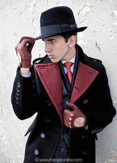 «Clothes make the man Dapper Gentleman, Dapper Men, Leather Driving Gloves, Leather Gloves, Sharp Dressed Man, Well Dressed Men, World Of Fashion, Mens Fashion, Classy Men