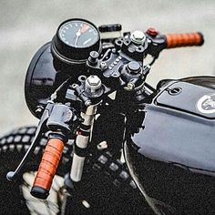 Cafe Racer — Photo by Cb 500 Cafe Racer, Cafe Racer Honda, Cafe Racer Style, Cafe Bike, Cafe Racer Build, Cafe Racer Motorcycle, Moto Bike, Brat Bike, Cx500 Cafe