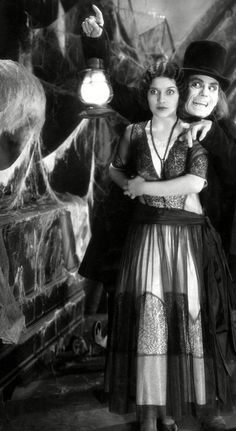 """Lon Chaney in the Holy Grail of lost horror films """"London After Midnight"""" - 1927 Classic Monster Movies, Classic Horror Movies, Classic Monsters, Silent Horror, Silent Film, London After Midnight, Lon Chaney, Horror Themes, Vintage Horror"""