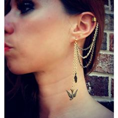 Birds of a Feather Gold Ear Cuff Chain Earrings Body Jewelry (€23) ❤ liked on Polyvore featuring jewelry, earrings, accessories, piercings, tattoos, gold stud earrings, chain earrings, gold chain earrings, gold earrings and stud earrings