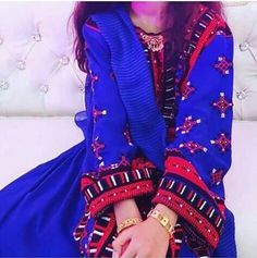 Pakistani Dress Design, Pakistani Dresses, Indian Dresses, Balochi Girls, Balochi Dress, Best Urdu Poetry Images, Afghan Dresses, Cutwork, Western Outfits