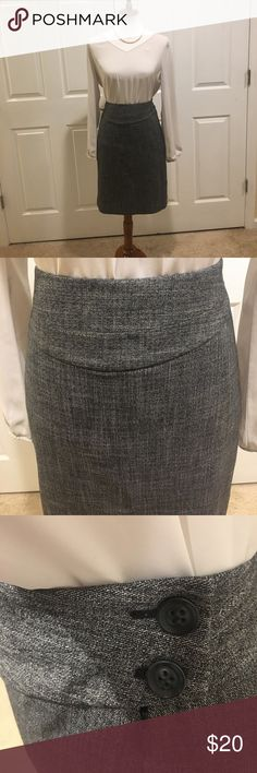 The Limited gray pencil skirt The Limited gray pencil skirt. NWT. Has buttons up the sides. 17 inch waist. 21 inches long. Size 10. Make an offer. No trades. The Limited Skirts Pencil