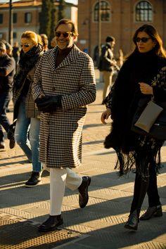 Best street style: Pitti Uomo AW20   British GQ Cool Bomber Jackets, Line Jackets, Gq Fashion, Cool Street Fashion, Fashion Fall, London Fashion Week Mens, Best Dressed Man, Leopard Print Scarf, Stylish Couple