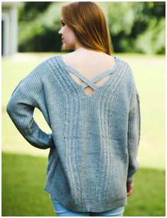 A sweater that has all the details. Grey Sweater 537255018