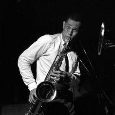 Dexter Gordon is my fave saxophonist ever, he's got soul.