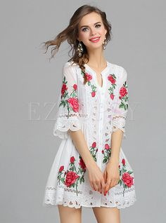 Shop Rose Embroidery Short Dress at EZPOPSY. Star Fashion, Boho Fashion, Fashion Looks, Smock Dress, Lace Dress, Rose Embroidery, Under Dress, Embroidered Clothes, Street Style Trends