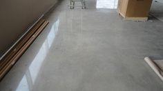 Cemento lucidato, lucidatura cemento, lucidatura pavimenti cemento, lucidatura pavimenti cemento industriale, levigatura cemento Bergamo Milano Brescia Pavia Come Lecco Sondrio