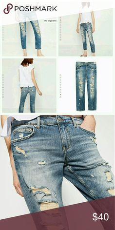 """Zara cigarette jeans Super soft and comfortable style jeans. Can be worn """"boyfriend"""" style or fitted the model in the pictures. Zara Jeans"""