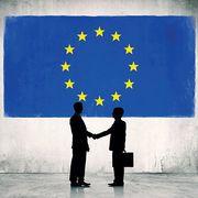 """""""Officiellement, la Commission européenne planche depuis des années sur une régulation des perturbateurs endocriniens susceptible de protéger les citoyens. Endormie par les sirènes de l'industrie, elle tergiverse et a pris un retard intolérable.""""... https://www.quechoisir.org/decryptage-perturbateurs-endocriniens-quand-bruxelles-joue-avec-notre-sante-n42292/"""