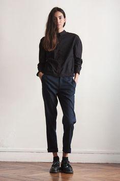 Round shaped shirt black