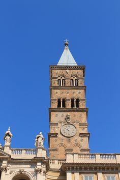 Il campanile della Basilica Papale di Santa Maria Maggiore - Clock Town, Santa Maria Maggiore, World History, Towers, Big Ben, Clocks, Rome, Street, Building
