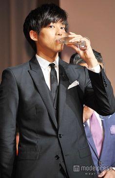 Japanese Boy, Asian Men, Actors & Actresses, Beautiful People, Ideal Type, Ralph Lauren, Suits, Film, Celebrities