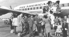 Fuga. Cubanos chegam à Flórida, após Fidel romper relações diplomáticas com os Estados Unidos