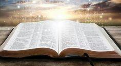 Salmo 119:105 Lámpara es a mis pies tu palabra, y lumbrera a mi camino. ♔