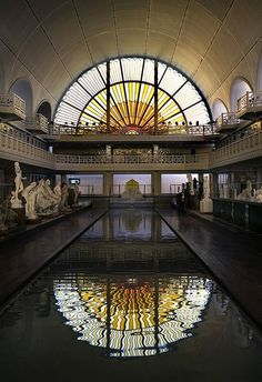 Art Deco Pool, La Piscine, Lille,   	La Piscine, a splendid Art Deco building in Roubaix, part of greater  Lille, houses the Musée d'Art et d'Industrie. It's one of the most  exciting surprises in the Nord region, housing an impressive  collection of 19th- and 20th-century art.: