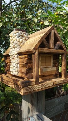 Bird Feeder Log Cabin Style with Stone Chimney image 6 Wood Bird Feeder, Bird Feeder Plans, Bird Feeders, Cool Bird Houses, Homemade Bird Houses, Stone Chimney, Insect Hotel, Bird House Plans, Gnome House