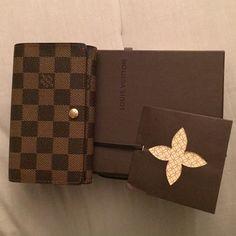 Authentic Louis Vuitton wallet Still in great condition. Comes with authentic Louis Vuitton box. Louis Vuitton Bags Wallets