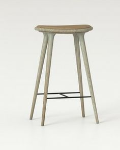 Mater Natural Soap Oak with Camel Leather Stool | 2Modern